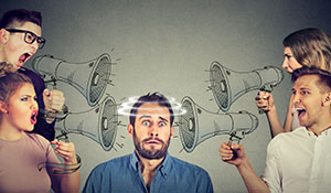 "7 Tips for Spotting ""Fake"" Financial News - image"